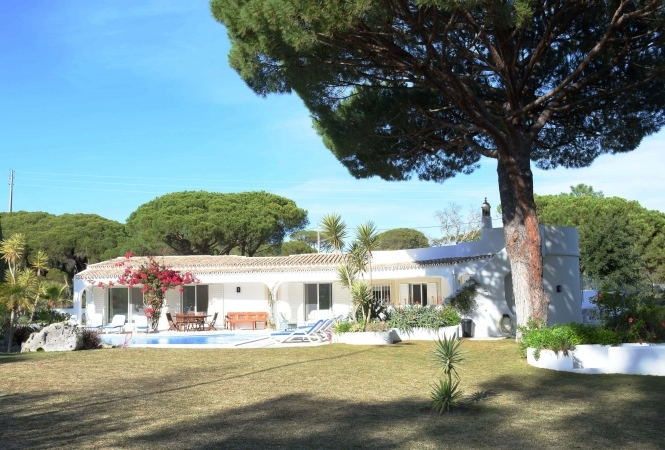 4 Bedroom  Villa near Quinta do Lago with Tennis Court